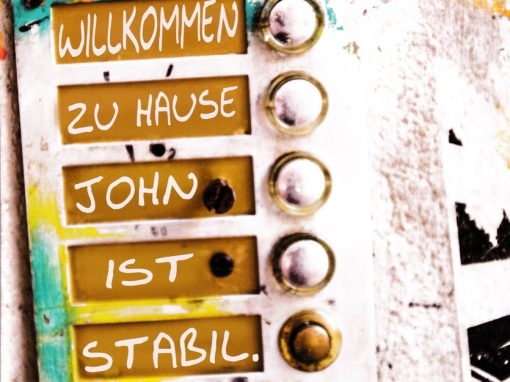 Willkommen zu Hause: John ist stabil – Produktion Klosterbühne /2019